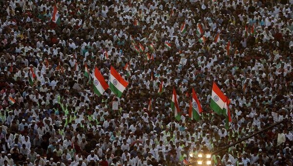 Demonstrators attend a protest against a new citizenship law in Mumbai, India, January 24, 2020. REUTERS/Francis Mascarenhas - Sputnik International