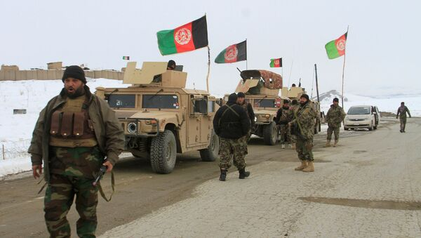 Afghan National Army Forces Go Towards the Site of Airplane Crash in Deh Yak District - Sputnik International