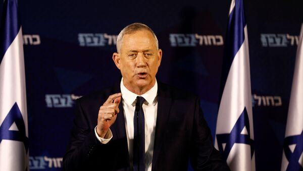 Benny Gantz, leader of Blue and White party, delivers a statement near Tel Aviv - Sputnik International
