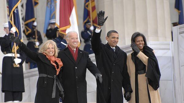 Obamas and Bidens - Sputnik International