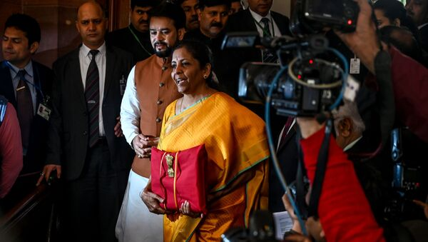 India Finance Minister Nirmala Sitharaman (C) arrives at the Parliament to the 2020-21 union Budget, in New Delhi on February 1, 2020.  - Sputnik International