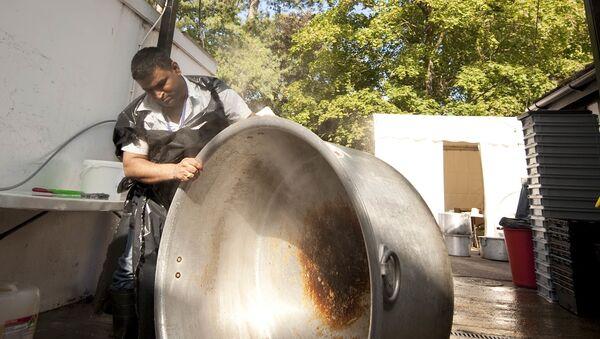 Giant cooking pot - Sputnik International