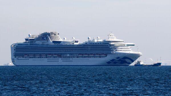 Cruise ship Diamond Princess is seen anchored off the Yokohama Port, after ten people on the cruise liner have tested positive for coronavirus in Yokohama, south of Tokyo, Japan 5 February 2020. - Sputnik International