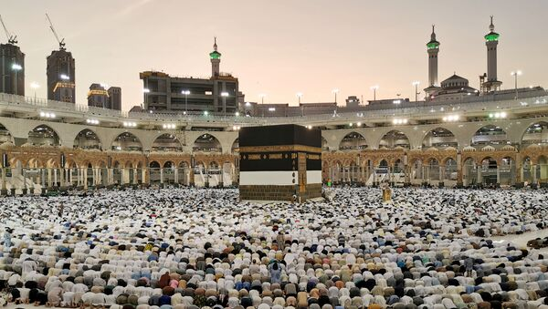 Muslims pray at the Grand Mosque during the annual Hajj pilgrimage in their holy city of Mecca - Sputnik International