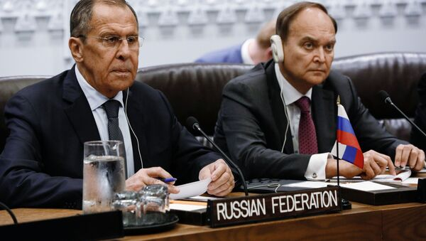 Russian Foreign Minister Sergey Lavrov and Ambassador of Russia to the United States Anatoly Antonov had a meeting with Chinese Foreign Minister Wang Yi on the margins of the 74th General Assembly. - Sputnik International