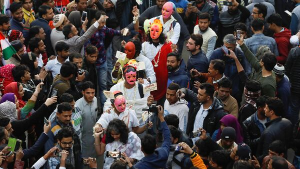 Demonstrators attend a protest against a new citizenship law in Shaheen Bagh, area of New Delhi, India, February 2, 2020 - Sputnik International