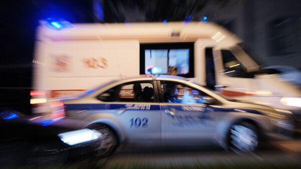 Ambulance and police car in Russia - Sputnik International