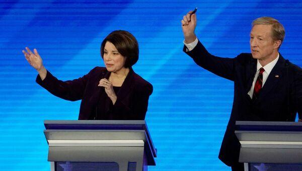 Democratic 2020 U.S. presidential candidates Senator Amy Klobuchar and billionaire activist Tom Steyer - Sputnik International