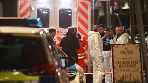Forensic experts are seen outside a shisha bar after a shooting in Hanau near Frankfurt, Germany, February 20, 2020.  - Sputnik International