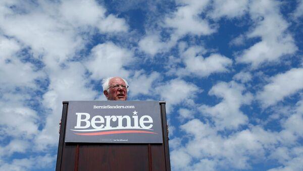 Democratic U.S. presidential candidate Senator Bernie Sanders speaks during a Get Out the Early Vote campaign rally in Santa Ana, California, U.S., February 21, 2020 - Sputnik International