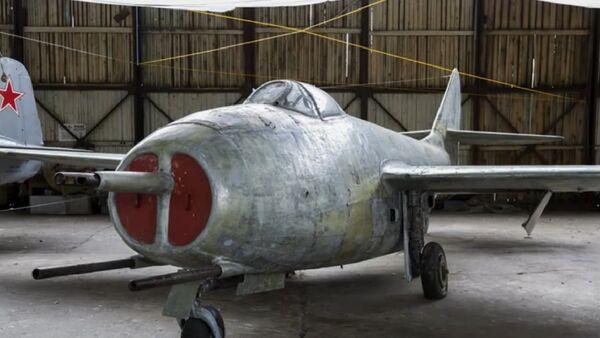 Soviet-made MiG-9 fighter jet. File photo  - Sputnik International