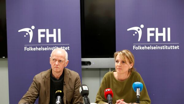 The Director of the Department of Infection Control and Environmental Health Geir Bukholm and the Director of the Department of Infectious Disease Epidemiology Line Vold speak during a news conference about the spread of the coronavirus in their country, at the Institute of Public Health in Oslo, Norway, February 26, 2020 - Sputnik International