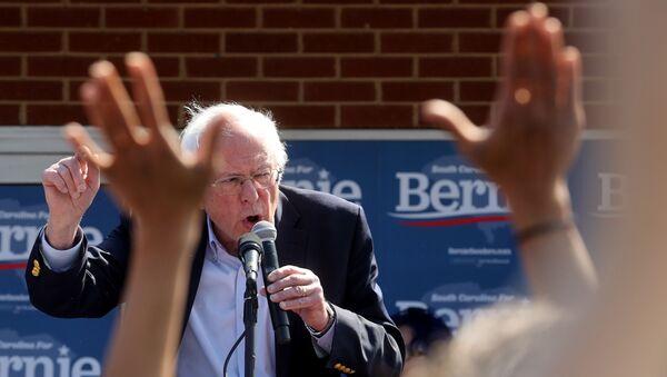 Democratic 2020 US presidential candidate Senator Bernie Sanders rallies supporters at a campaign office in Aiken, South Carolina, 28 February 2020. - Sputnik International