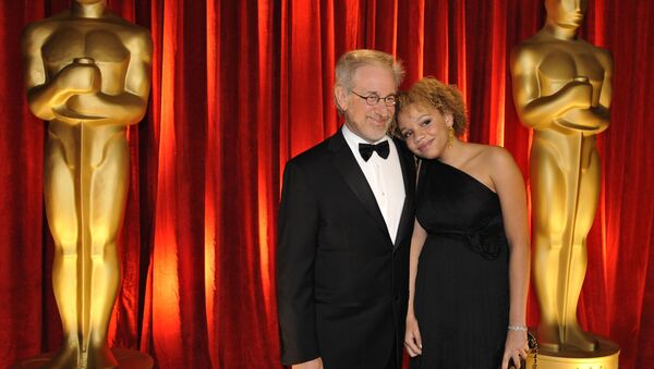 Steven Spielberg and daughter Mikaela George Spielberg arrive at the 81st Academy Awards, 22 February 2009, in Hollywood. - Sputnik International