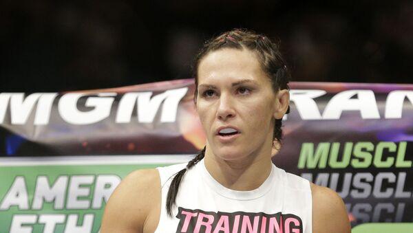 Cat Zingano during her fight against Amanda Nunes, Saturday, Sept. 27, 2014, in Las Vegas. - Sputnik International