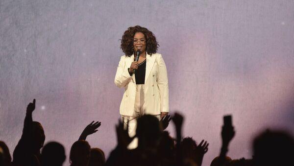 Oprah Winfrey makes opening remarks during Oprah's 2020 Vision tour at the Forum on Saturday, Feb. 29, 2020, in Inglewood, Calif. - Sputnik International