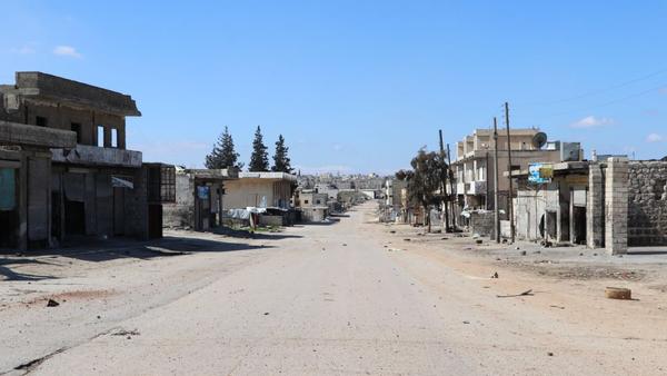 Empty street in town of Saraqib, Syria's Idlib Governorate - Sputnik International