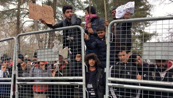 Migrants on the no man's land between Turkey and Greece - Sputnik International