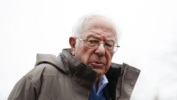 Democratic presidential candidate Sen. Bernie Sanders, I-Vt., visits outside a polling location at Warren E. Bow Elementary School in Detroit, Tuesday, March 10, 2020. - Sputnik International