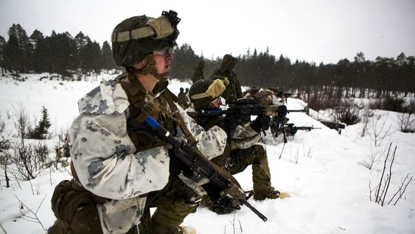 Marines participate in a platoon assault drill as a part of Exercise Cold Response 16 on range U-3 in Frigard, Norway, Feb. 23, 2016 - Sputnik International