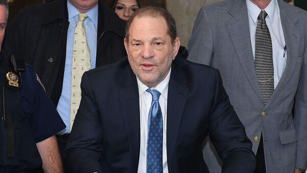 Harvey Weinstein arrives at the Manhattan Criminal Court, on February 24, 2020  in New York City. - Sputnik International