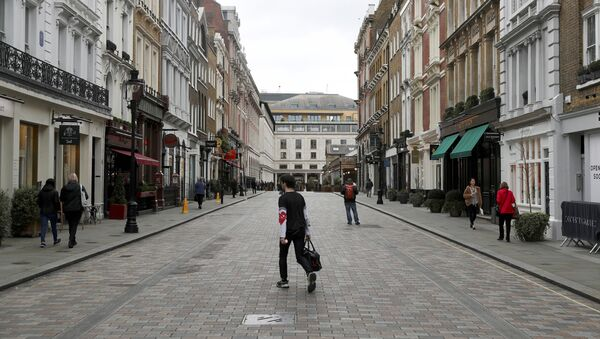 Sparsely Populated Street is Seen Near Covent Garden in London - Sputnik International