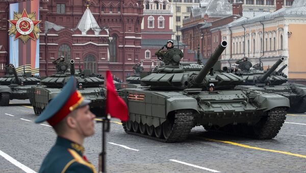 Russian tanks T-72 B3 drive during the Victory Day military parade - Sputnik International