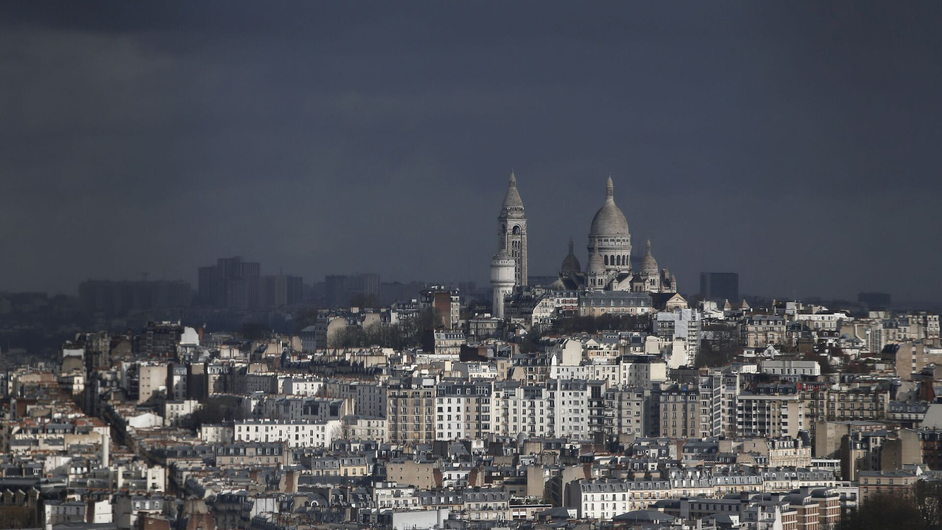 View of the Montmartre hill, with the Sacre Coeur Basilica, in Paris, Tuesday, March 27, 2018 - Sputnik International, 1920, 18.09.2021