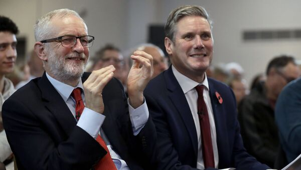 Jeremy Corbyn (left) and Keir Starmer - Sputnik International