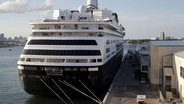 An ambulance leaves as Carnival's Holland America cruise ship Zaandam is docked at Port Everglades during the coronavirus pandemic, Thursday, April 2, 2020, in Fort Lauderdale, Fla. - Sputnik International