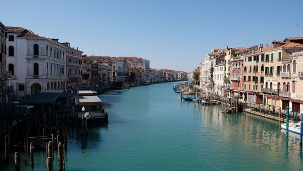 A view of an empty Grand Canal on Palm Sunday, following the coronavirus disease (COVID-19) outbreak in Venice, Italy, April 5, 2020 - Sputnik International