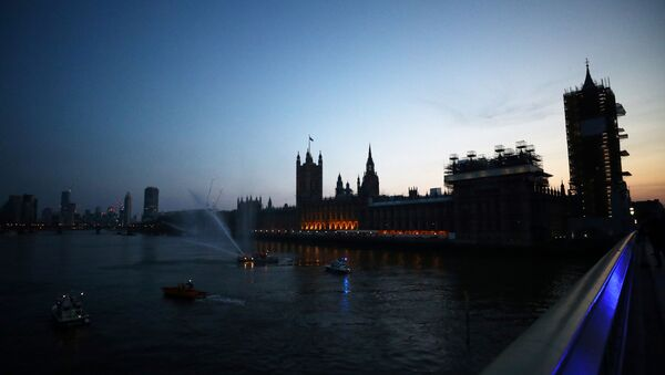 General view from Westminster bridge during the Clap for our Carers campaign in support of the NHS as the spread of the coronavirus disease (COVID-19) continues, London, Britain, April 9, 2020. - Sputnik International