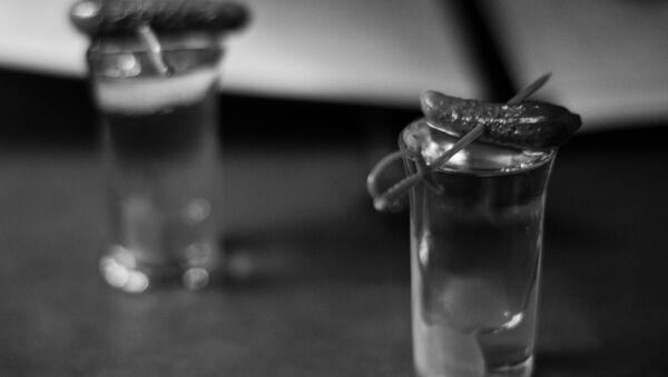 A shot of vodka with a pickle - Sputnik International