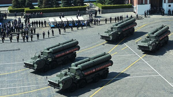 S-400 missile defence systems at the repetition of the Victory Day Parade, May 2019. - Sputnik International