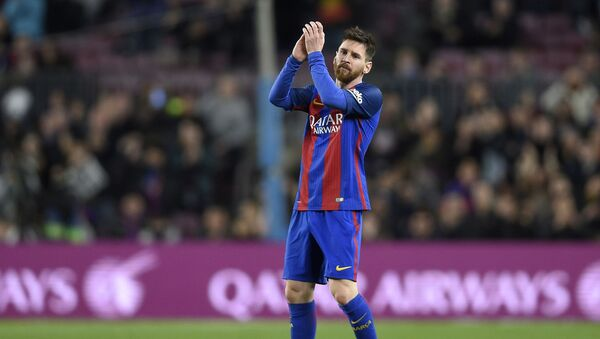 Barcelona's Argentinian forward Lionel Messi applauds as he leaves the pitch during the Spanish league football match FC Barcelona vs Real Sporting de Gijon at the Camp Nou stadium in Barcelona on March 1, 2017 - Sputnik International