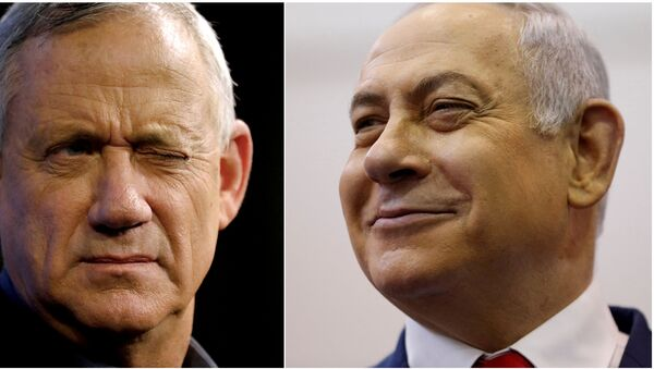 A combination picture shows Benny Gantz (left), leader of Blue and White party, at an election campaign event in Ashkelon, Israel, April 3, 2019, and Israeli Prime Minister Benjamin Netanyahu smiling at a polling station in Jerusalem, April 9, 2019 - Sputnik International