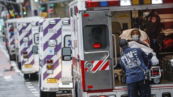 Пациент скорой помощи в Нью-Йорке - Sputnik International