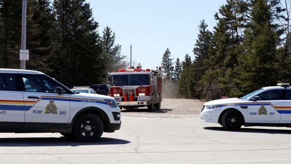 Royal Canadian Mounted Police at Portapique Beach Road - Sputnik International
