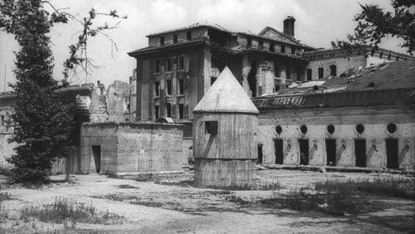 Exterior of the Führerbunker shortly before its destruction - Sputnik International