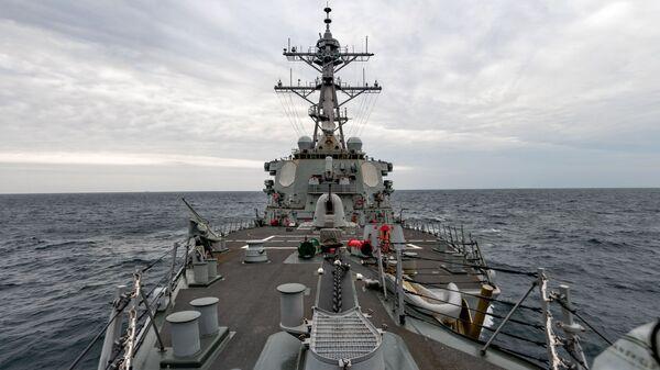 USS Barry sails through Taiwan Strait on 23 April 2020 - Sputnik International