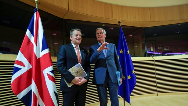 FILE PHOTO: European Union chief Brexit negotiator Michel Barnier and British Prime Minister's Europe adviser David Frost 5 are seen at start of the first round of post -Brexit trade deal talks between the EU and the United Kingdom, in Brussels, Belgium March 2, 2020. Oliver Hoslet/Pool via REUTERS/File Photo - Sputnik International