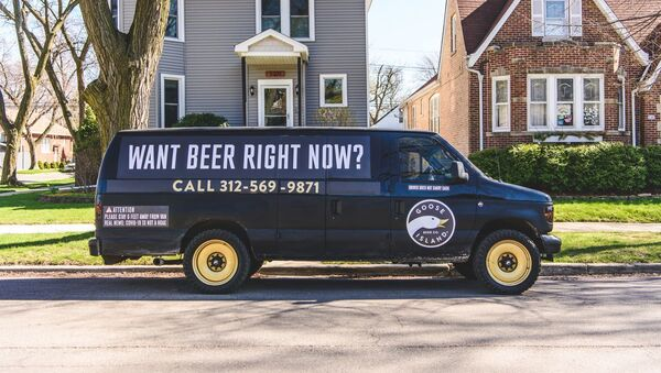 Goose Island's roaming beer van - Sputnik International