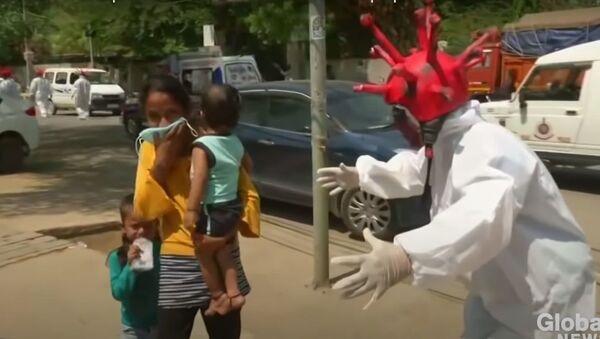 India lockdown: Delhi police use coronavirus zombies to scare people off streets - Sputnik International
