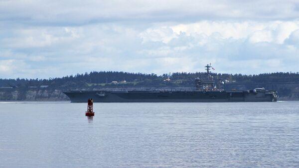 The aircraft carrier USS Nimitz (CVN 68) transits through Puget Sound. - Sputnik International