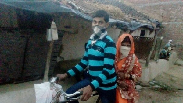 Kalku Prajapati of Pauthiya village in Hamirpur district pedal 100 km to reach his bride's home in order to solemnise his wedding. Interestingly, after the wedding was performed, he had to carry his newlywed wife on the same bicycle as pillion - Sputnik International