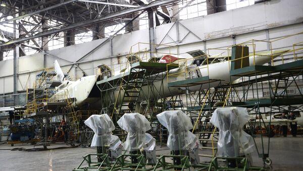 Construction of a long-range supersonic missile bomber Tu-22M3 at the Kazan Aircraft Plant - Sputnik International