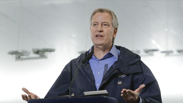 New York City Mayor Bill de Blasio speaks at the USTA Indoor Training Center where a 350-bed temporary hospital will be built Tuesday, March 31, 2020, in New York. - Sputnik International