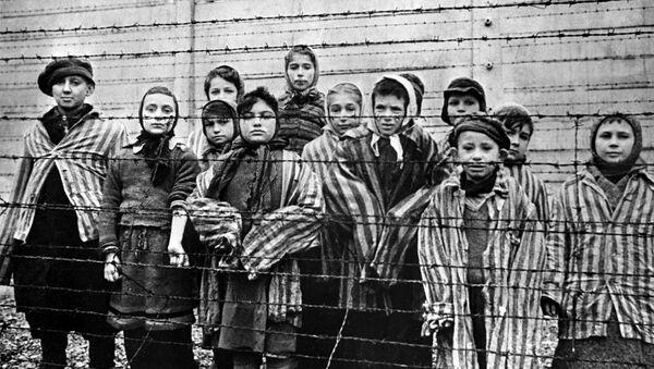 Children, imprisoned in the Auschwitz concentration camp, 1945 - Sputnik International