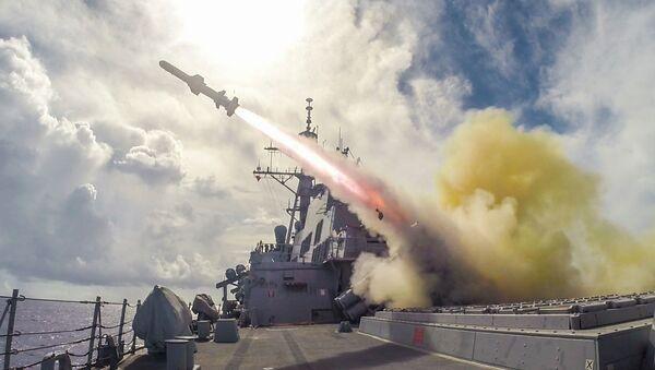 Harpoon missile fired in the waters near Guam - Sputnik International