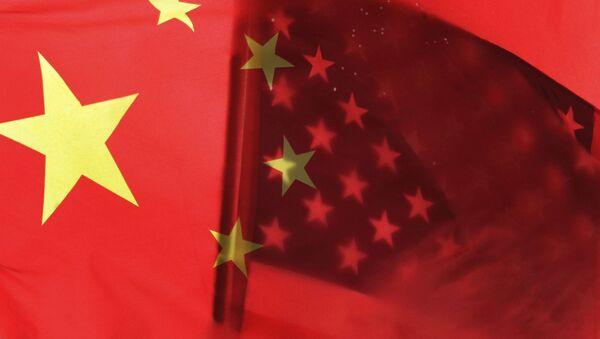 Chinese and U.S. flags - Sputnik International